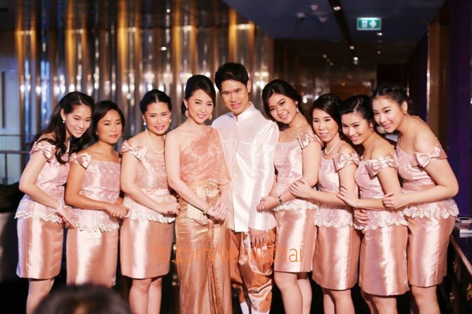 ชุดไทยเพื่อนเจ้าสาว
