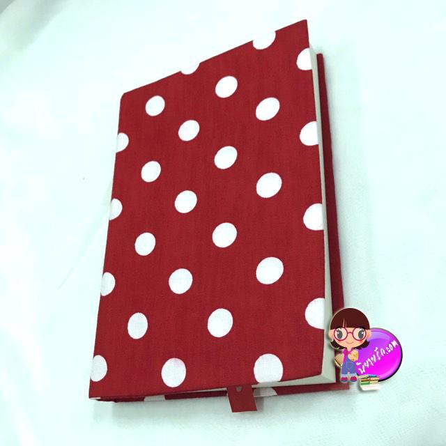 """ปกผ้าพื้นแดง Polka Dot เนื้อผ้าคอตต้อน ขนาด 8"""" ( Pocket Book )"""